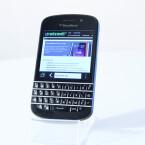 Das Q10 bietet eine physische Tastatur unter dem Display. (Bild: netzwelt)
