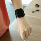 Das im Lieferumfang enthaltene Armband empfiehlt Withings für die Bettruhe. (Bild: netzwelt)