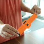 Die Gestaltung des Armbands lässt zu Wünschen übrig. (Bild: netzwelt)