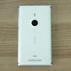 Die Rückseite des Lumia 925 besteht aus Polycarbonat. (Bild: netzwelt)
