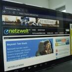 Der Mini-PC versorgt auch TV-Geräte ohne Internetanschluss mit Zugang zum Web. (Bild: netzwelt)