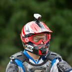 Optionale Halterungen sind für Helme erhältlich. (Bild: Garmin)