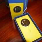 Die Kamera auf der Rückseite macht es aber deutlich: Das ist das Lumia 1020. (Bild: netzwelt)