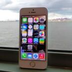 Als Betriebssystem läuft auf dem iPhone 5s iOS 7. (Bild: netzwelt)
