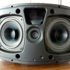 Mit seinen 2 x 25 Watt Musikleistung eignet sich das Modell zur Beschallung mittelgroßer Räume. (Bild: netzwelt)