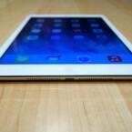 Ein wenig dicker als das erste iPad mini - mit dem bloßen Auge fällt dieser Unterschied aber nicht auf. (Bild: netzwelt)