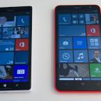 """Gleich groß: Das Nokia Lumia 1520 und """"der kleine Bruder"""" Nokia Lumia 1320 (rechts). (Bild: netzwelt)"""