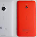 Das Lumia 1520 bietet auf der Rückseite eine 20-Megapixel-Kamera, das Lumia 1320 (rechts) eine 5-Megapixel-Kamera. (Bild: netzwelt)