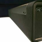 An der Seite befinden sich die Steuerungstasten für die Lautstärkeregelung und zur Stummschaltung. (Bild: netzwelt)
