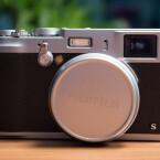 Die X100S ist mit einem Fujifilm X Trans II CMOS-Sensor ausgestattet, der mit 16,2 Megapixeln auflöst. (Bild: netzwelt)