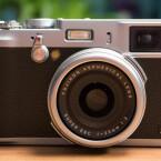 Die 34,5mm-Festbrennweite (Kleinbild) hat eine maximale Blendenöffnung von F2. (Bild: netzwelt)