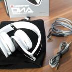 Für den einfachen Transport lassen sich die Kopfhörer zusammenklappen. (Bild: netzwelt)