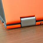 <b>Lenovo Yoga 2 Pro</b><br /> Die namensgebenden Scharniere sind von solider Machart, können aber das Nachwippen des Bildschirms nicht immer unterbinden. (Bild: netzwelt)