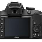 Das Display misst drei Zoll und löst mit 921.000 Bildpunkten auf. Der Spiegelsucher deckt 95 Prozent des Bildfelds ab. (Bild: Nikon)