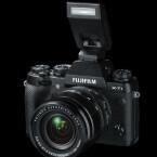 Die Systemkamera wird mit Aufsteckblitz ausgeliefert. (Bild: Fujifilm)