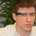 Die Datenbrille passt ohne großes Verstellen auf jede Nase. (Bild: netzwelt)