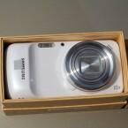 Ebenso wie das Kamera-Smartphone Galaxy S4 Zoom... (Bild: netzwelt)