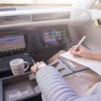 XchangE dient unterwegs auch als Besprechungszimmer und Büro. Sogar eine Kaffeemaschine ist verbaut. (Bild: Rinspeed)
