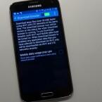 Das Galaxy S5 kann, sofern vorhanden, LTE und WLAN für eine höhere Download-Geschwindigkeit koppeln. (Bild: netzwelt)
