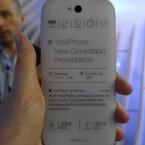 Das YotaPhone 2 wird in Schwarz und Weiß erhältlich sein. (Bild: netzwelt)