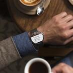 Die Smartwatch auf Basis von Android Wear erinnert an anstehende Termine. (Bild: Motorola)