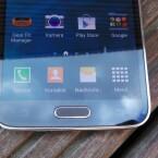 Das Galaxy S5 bietet dagegen einen physischen Home-Button sowie Sensortasten. (Bild: netzwelt)