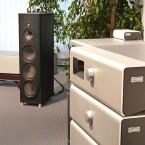 Die etwas größere Magico S5 für 33.000 Euro dürfte ähnlich klingen, wie die neue S3. Am Stand von Soulution mit der Schweizer Edelelektronik zu hören. Da spielten etwa 200.000 Euro - enorm reiner, schlackenloser Klang. (Bild: netzwelt)