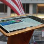 Mit einem Gewicht von 465 Gramm wiegt das große Samsung Galaxy Tab S so viel wie Apples iPad Air. (Bild: netzwelt)