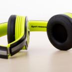 Zum Transport lässt sich das Volumen verkleinern und der Kopfhörer verschwindet in einer mitgelieferten Tasche. (Bild: netzwelt)