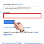 """Microsoft versucht nach Eingabe der E-Mail-Adresse herauszufinden, ob es sich um ein OneDrive-, SharePoint- oder Office 365-Konto handelt. Falls Sie Ihre E-Mail-Adresse für mehrere Cloud-Dienste nutzen, wählen Sie aus, mit  welchem Dienst Sie sich in der App anmelden möchten. In unserem Fall hat Microsoft ein OneDrive-Konto gefunden und zeigt die dafür vorgesehene Login-Seite an. Geben Sie Ihre Zugangsdaten ein und klicken Sie auf """"Anmelden"""". (Bild: Screenshot/Microsoft Office Mobile)"""
