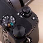 Die Systemkamera bietet eine ganze Reihe Programmmodi an. Vom manuellen Modus für aktive Bildgestaltung bis hin zum Automatikmodus ist alles mit an Board. (Bild: netzwelt)