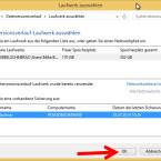"""Klicken Sie den Speicherort an, auf dem Sie Ihre Daten sichern möchten. Falls dort bereits ein Backup vorhanden ist, wird die Sicherung im unteren Teil angezeigt. Wählen Sie aus, in welcher Sicherung die Daten gespeichert werden sollen. Mit einem weiteren Klick auf """"OK"""" speichern Sie die Daten und aktivieren gleichzeitig den Dateiversionsverlauf. (Bild: Screenshot/Windows 8)"""