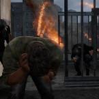 Die Rebellengruppe Fireflies führen einen Kampf gegen die unterdrückende Regierung. (Bild: Screenshot / Sony)
