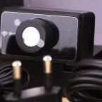 Der Positions-Tracker, der Kopfbewegungen auch in die Tiefe des Raums übertragen können soll - ob er die Immersion perfekt macht? (Bild: netzwelt)