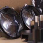 Zwei Linsen in unterschiedlicher Größe liegen der Oculus Rift DK2 bei, mit der kurzsichtige Spieler ihre Sehschwäche entsprechend ausgleichen können sollen. (Bild: netzwelt)