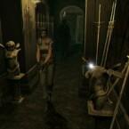Gamecube: Jill Valentine in einem Flur mit Zombie im Nacken. (Bild: Capcom)