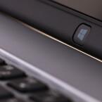Beim beherzten Druck auf die Windows-Taste biegt sich das gesamte Display ordentlich durch.