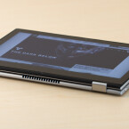 Lange lässt sich das Dell Inspiron im Tablet-Modus nicht in den Händen halten. Dafür ist es zu schwer.