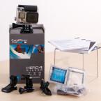 Ein Blick auf den gesamten Lieferumfang der GoPro Hero4 Silver...