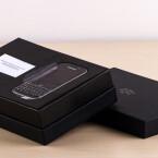 Was verbirgt sich neben dem BlackBerry Classic im riesigen Karton?