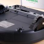 Die Räder tragen den VR200 über Türschwellen und Hindernisse.