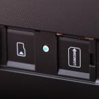 Speicher- und SIM-Karte finden über eine Abdeckung an der Rückseite Zugang. Eine reine WLAN-Variante gibt es natürlich auch.