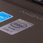 Im Inneren sorgt ein Core i5 aus Intels aktueller Broadwell-Generation für Vortrieb.