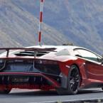 Lamborghini Aventador SV: Die italienische Traditionsmarke wird eine deutlich angeschärfte Version des Aventador in Genf vorstellen. Völlig ungetarnt...(Bilder: Borja Perez/CarPix)