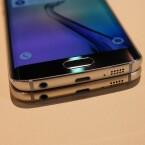 Die Anschlüsse befinden sich sowohl beim Galaxy S6 als auch beim S6 Edge an der Unterseite.