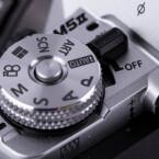 Die E-M5 II hat neben zahlreichen manuellen Funktionen auch Vollautomatik, Halbautomatik sowie Art-Filter mit an Board und kann auch von Anfängern bedient werden.