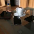 Wenn euer Kollege oder ein Freund seinen Kaffee oder Cappuccino gern süß trinkt, dann bietet es sich an, Zucker und Salz zu vertauschen. Nachdem das Opfer sein Getränk genüsslich umgerührt hat, kann er es nur noch in den Ausguss befördern. Allerdings solltet ihr genau überlegen, bei wem ihr das macht. Manche Kaffeetrinker verstehen keinen Spaß, wenn es um das schwarze Lebenselixier geht.