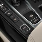 """Aus dem Cockpit heraus kann der Fahrer die verschiedenen E-Modi auswählen. Auch der """"Fahrerlebnisschalter"""" ist mit an Bord."""