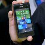 Microsoft bekommt bei Windows Phone Konkurrenz. Mit dem Liquid M220 präsentiert Acer ein äußerst günstiges Smartphone mit Windows Phone 8.1.
