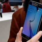 Das S6 ist aber nicht das einzige neue Smartphone von Samsung. Mit dem Galaxy S6 Edge präsentiert der südkoreanische Hersteller eine Modellvariante mit abgeschrägten Displaykanten.
